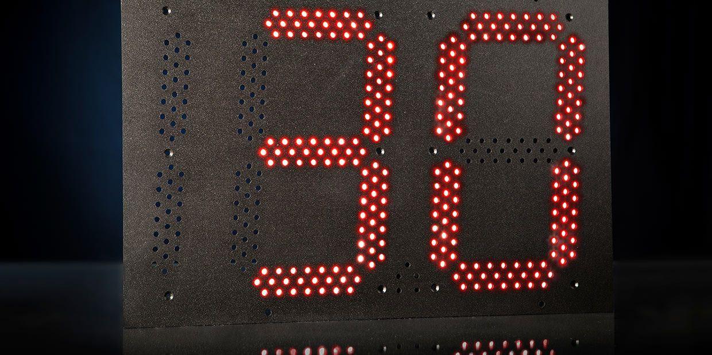 Signalschilder aus dem Straßenverkehr.