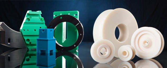 Passgenaue Dreh- und Werteile wie Rollen, Seilrollen, Scheiben und Buchsen aus technischen Kunststoffen wie Polyamid (PA), Polyacetal (POM).
