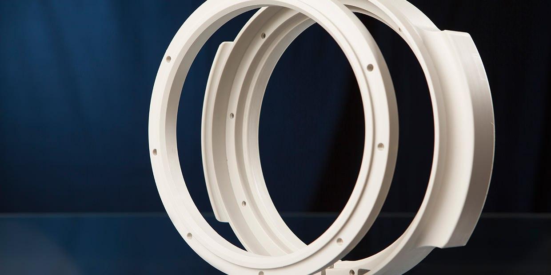 Ringe aus dem Standardkunststoff PP in der Farbe grau.