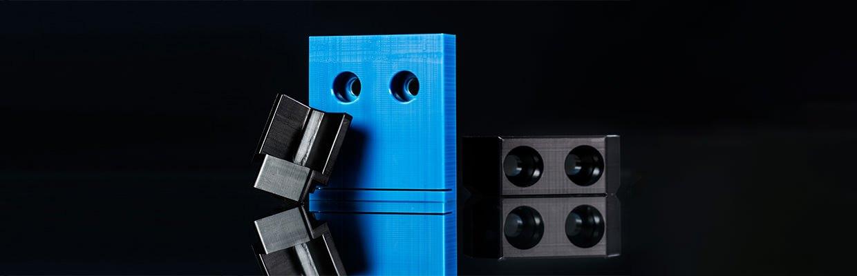Mitnehmer aus technischen Kunsttoffen wie Sie in Gabelketten, Überladebändern und Trogkettenförderern verwendet werden.